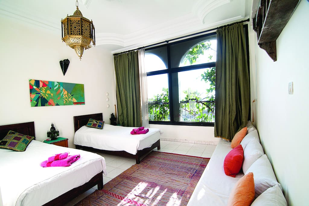 Stunning Emerald Room, seaview, ensuite, double or twin.