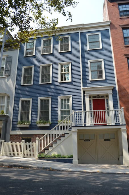 your own townhouse in bklyn heights houses for rent in brooklyn new york united states. Black Bedroom Furniture Sets. Home Design Ideas