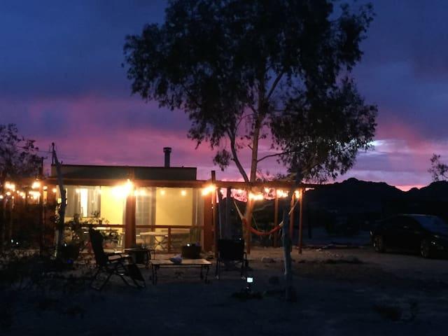 """Joshua Tree Desert Retreat: """"El Ranchito Regio"""" - Twentynine Palms - Casa"""