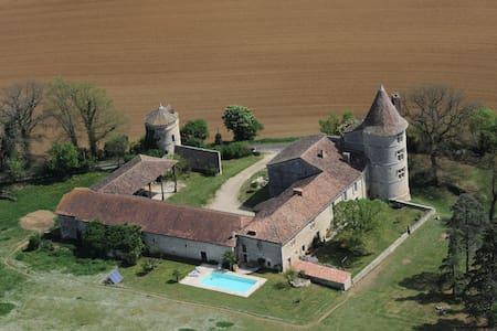 Château Gersois du XVIème siècle - Labrihe - Şato
