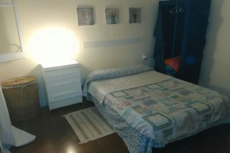 Large double room(town of Terrassa)
