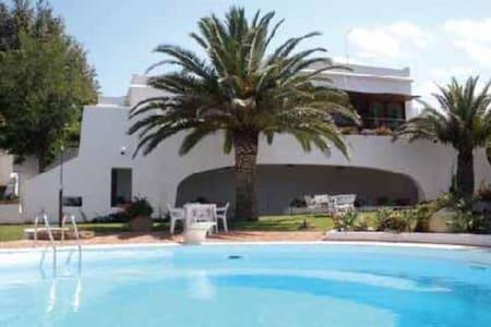 Villa singola, piscina, spiaggia - Syrakus