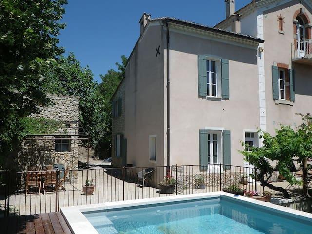 Maison centre ville au calme - Vaison-la-Romaine - Talo