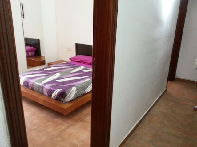 LUZ PROPIA CON VENTANA AL EXTERIOR - Sabadell - Appartement