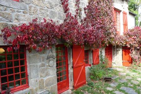 Pouzols - Saint-Jeures