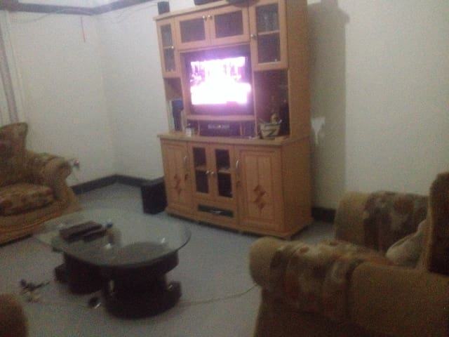 Fully Furnished 1 Bedroom 1 Bath Hm