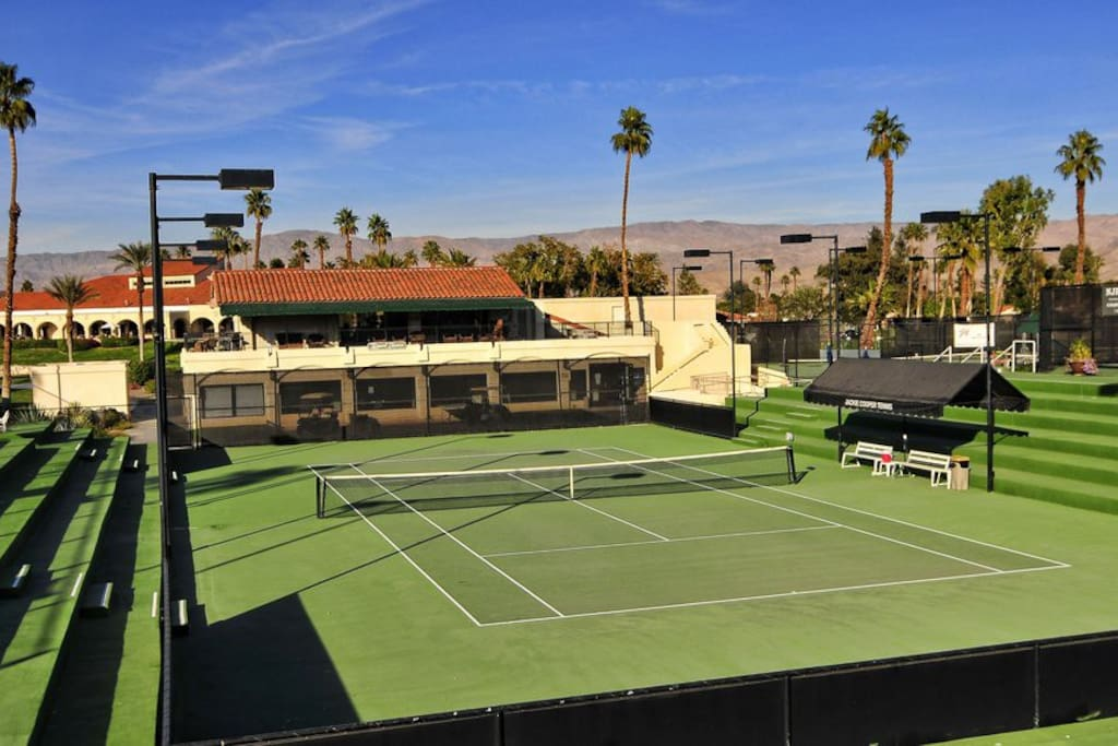 18 Jackie Cooper Tennis courts