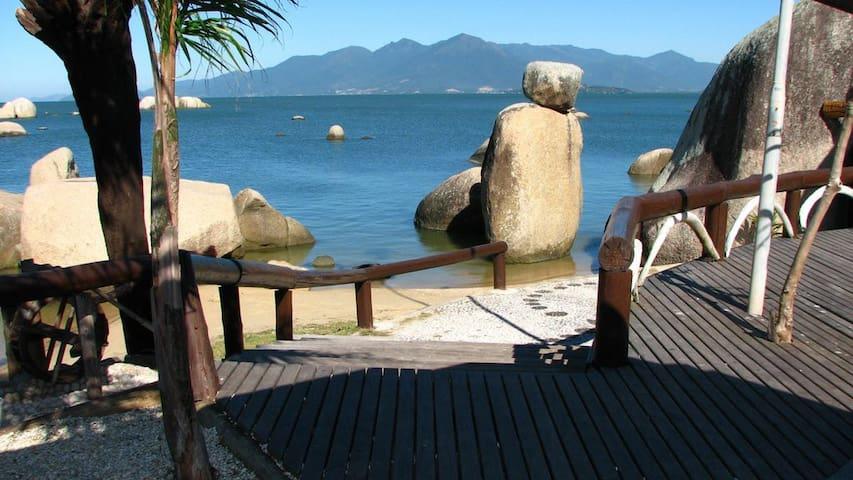 Excelente suite na Ilha! Coqueiros! - Florianópolis - Appartement