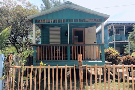 The Stoned Crab Hideaway Cabana - Caye Caulker - Hus