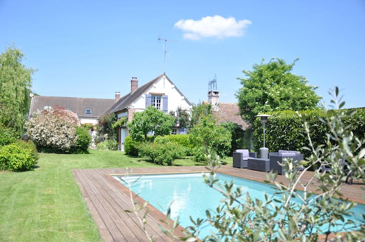 House in the country, swimming-pool - Le L'habit