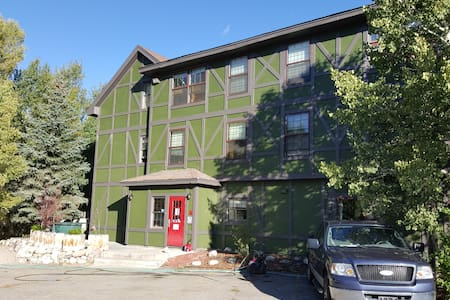 1 Bd in Female Dorm On  Gold Medal Blue River!! #3