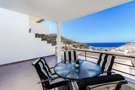 Apartment with wifi and ocean view - Flat