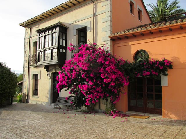 Charming House in Northern Spain - Colombres - Rumah