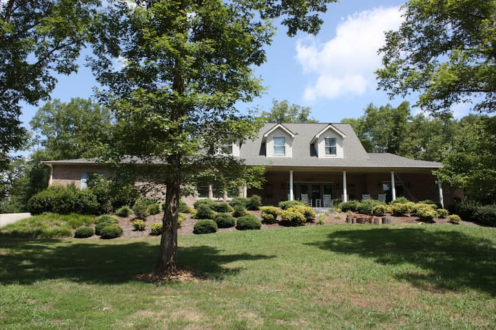 Beautiful Family Getaway in Tellico Plains - Tellico Plains - House