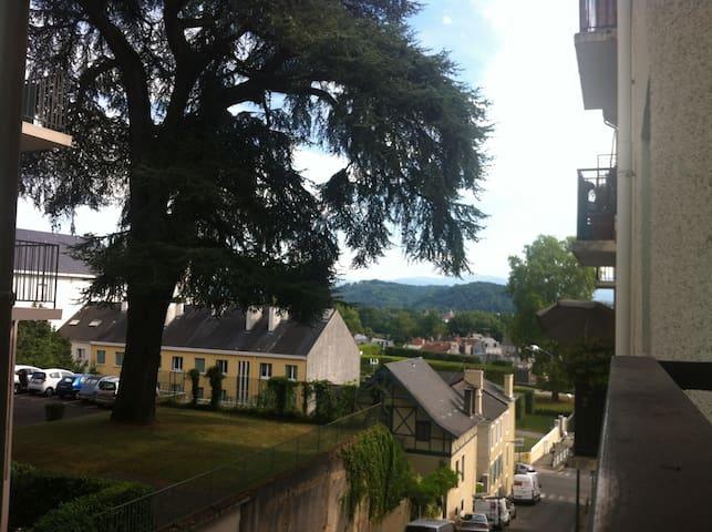 studio chambre séparée, tt confort - Pau - Condominium