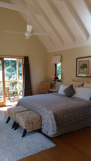 Frangipani room - king bed, en suite and balcony