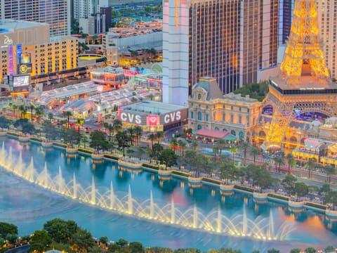Vdara high fl suite amazing fountain & strip views