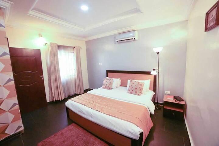 Esporta Suite Magodo - Royal Suite