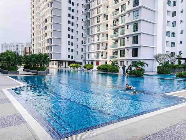 The Platino with Pool View