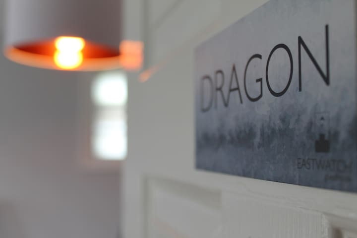 Eastwatch Dragon bedroom and en-suite