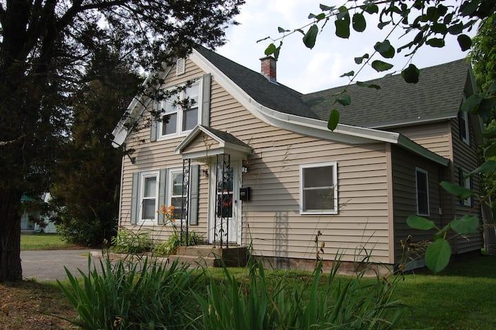 New England Bungalow Escape Littleton