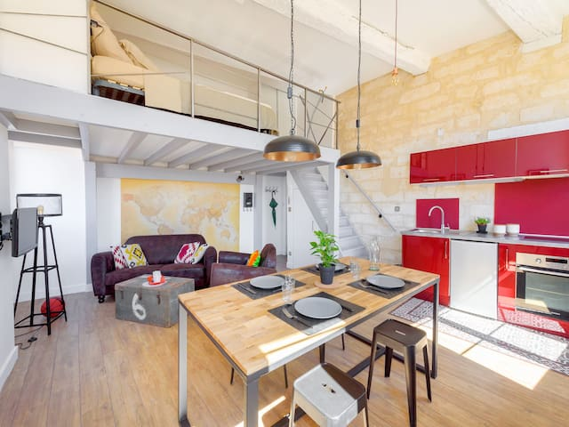 ★LOFT IN HISTORIC CENTER ★ View + A/C and PARKING