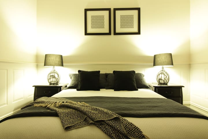 City Home with 3 x Free Parking - South Yarra - Dom