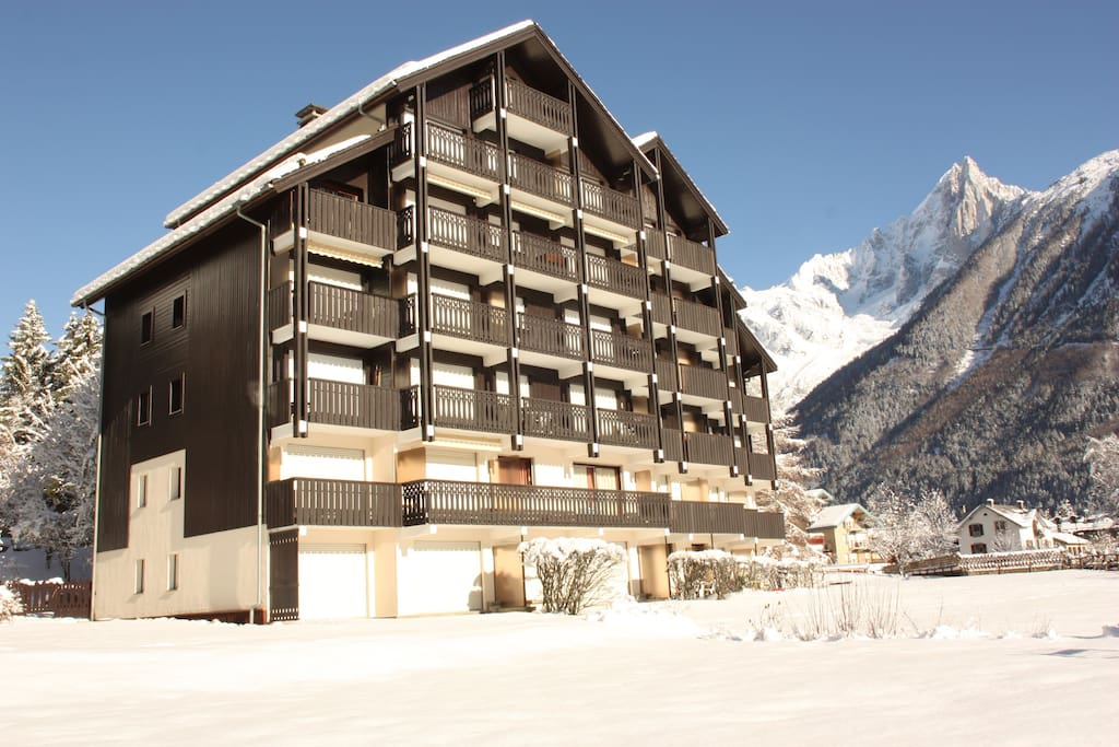Savoyard style residence at 5mn walk from Chamonix centre.