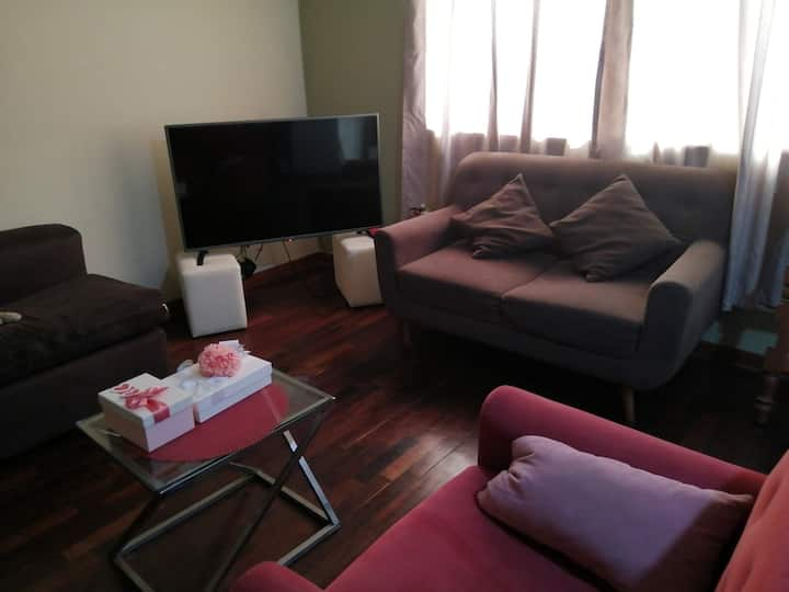 Habitación linda y cómoda en Lima-Santa Beatriz