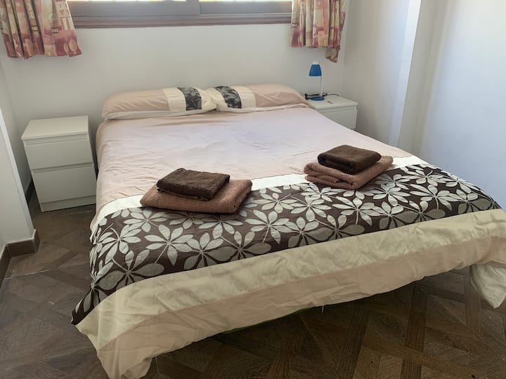 En Suite Double - Sea View - Free Airport Collect
