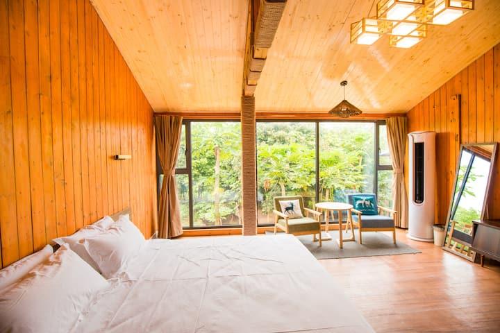 木屋大床房2
