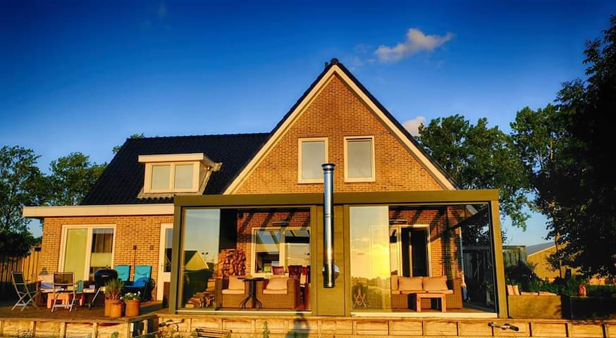 FAMILY VILLA, 2-8 GUESTS, FREE SPA,AMSTERDAM AREA