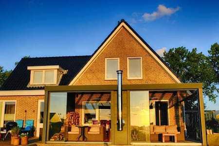 AMSTERDAM RESORT, SPA, SAUNA, FOR COUPLES&FRIENDS