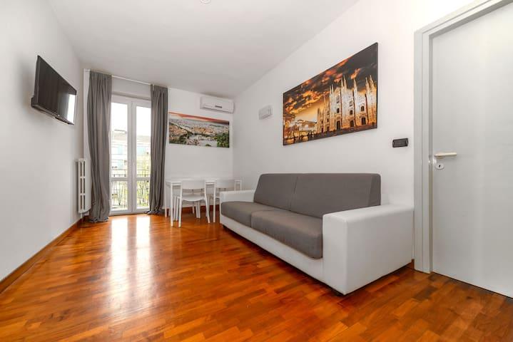 Milano Sky Flat -Sempione & Citylife experience-