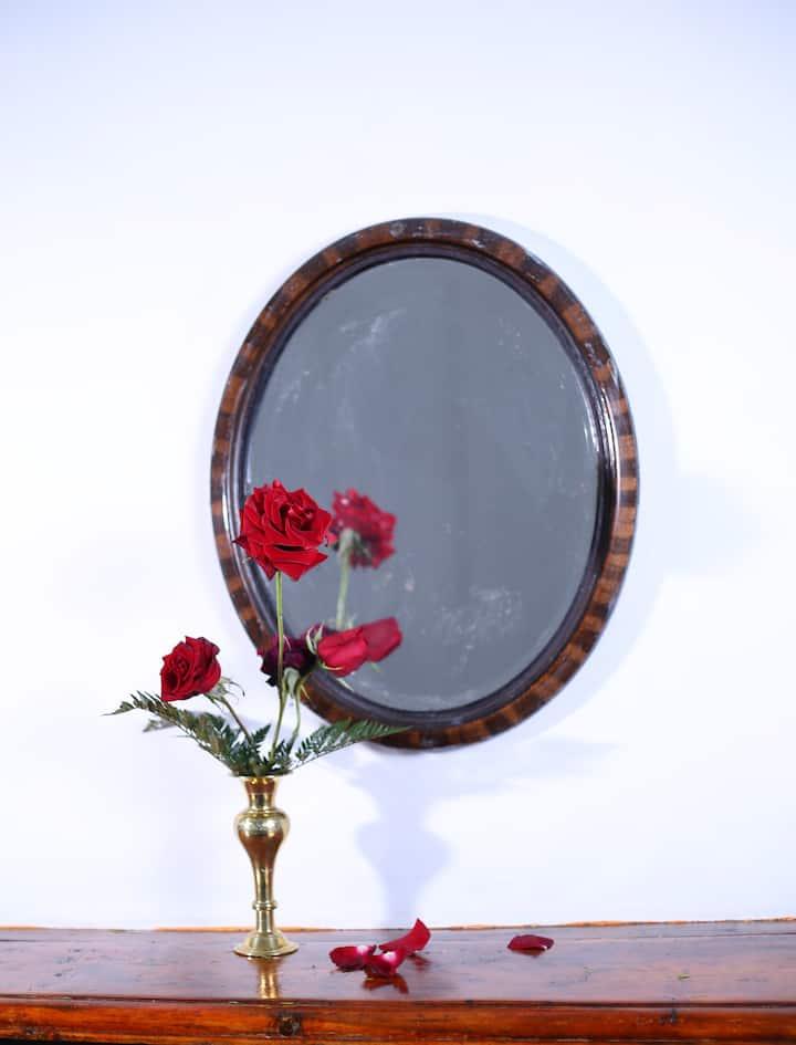 Shirin1892 Rose room