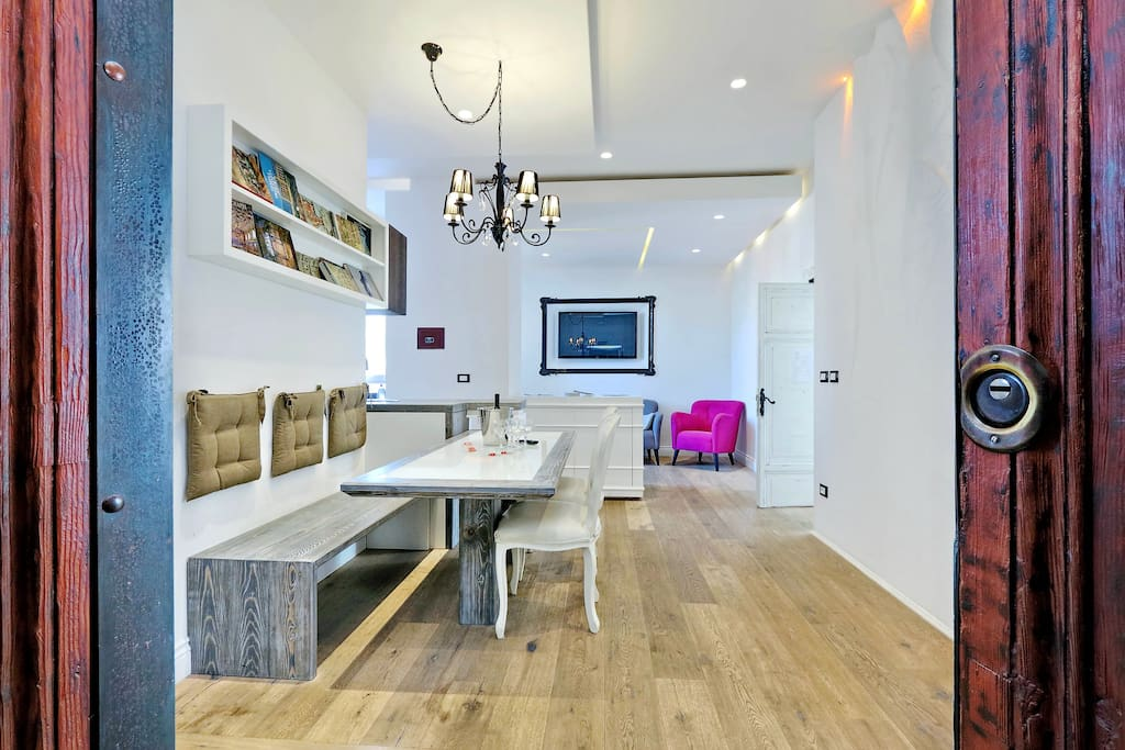 Design apartment paulina close by colosseum appartements for Apartment design rome