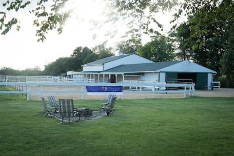 Bed and Breakfast with Horse Hotel at VRR