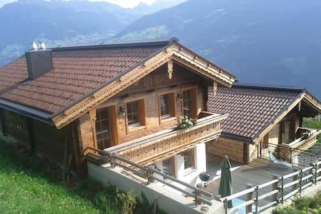 Ferienhaus Hochzillertal,8 - 10 Personen/Zillertal - Aschau im Zillertal - Casa