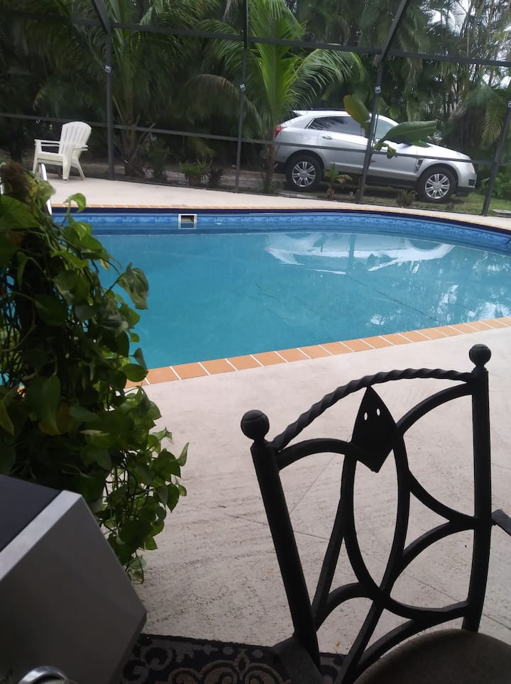 Private Room with Amenities in Cape Coral Florida