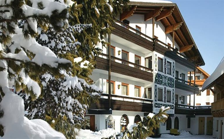 Chalet St. Anton, two private rooms (4p each)