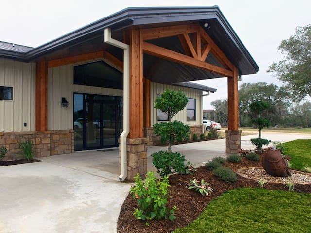 Hunting/Fishing Lodge on Texas Coast