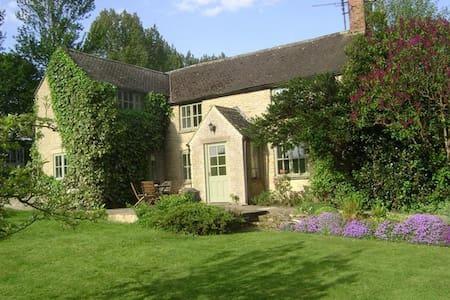 Slade Farm Cottage, Little Compton. - Little Compton