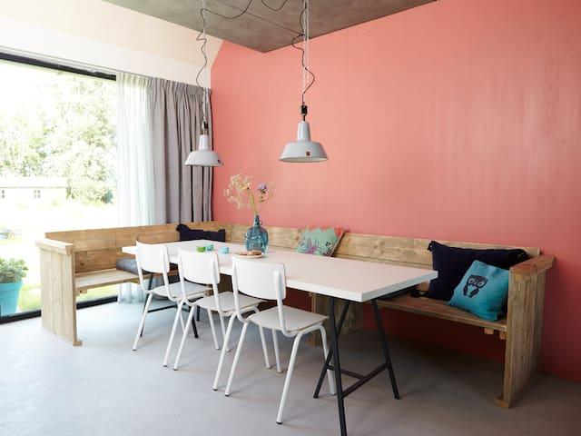 Design huis (Wetter) 6p in Friesland - Kollumerpomp - Huis