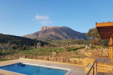 Studio vue panoramique mer et montagnes Ajaccio