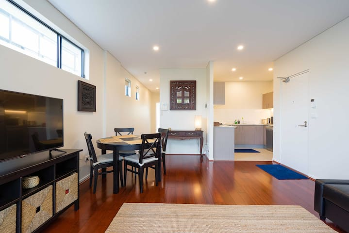 Newly furnished apartment, Westmead