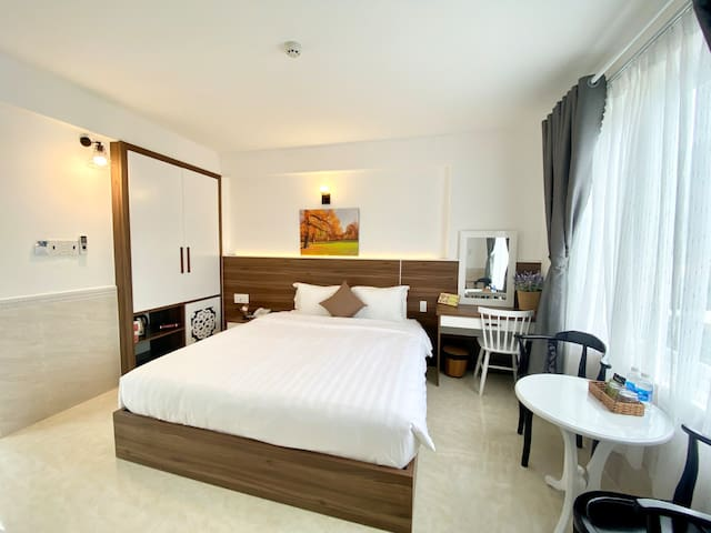 CON DAO Center✯ DOUBLE ROOM W*LARGE WINDOW