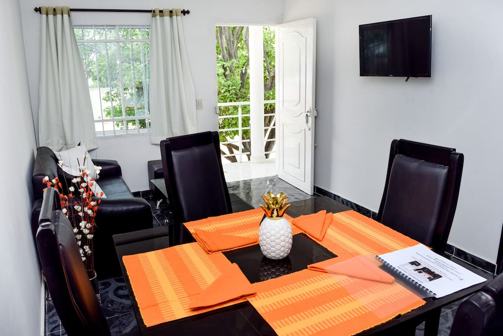 Apartamento con WiFi, TV y Aire acondicionado / Apartment with free WiFi, TV and AC
