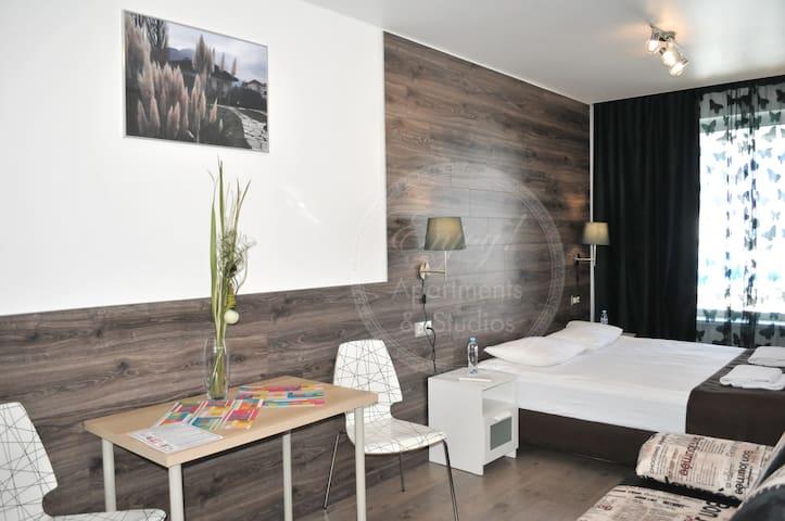 ENJOY! Apartments & Studios (AKVARELI #2)