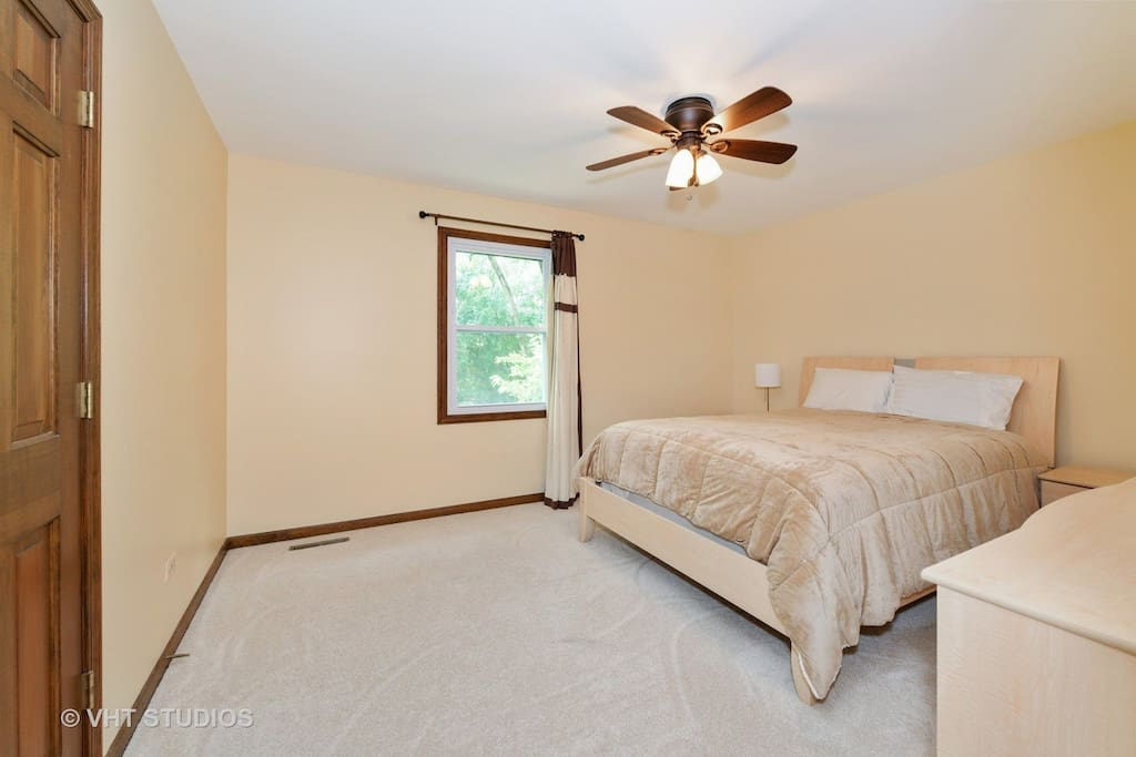 Room For Rent Naperville