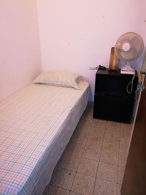 Habitacion En Plaza Leopoldo Apartments For Rent In